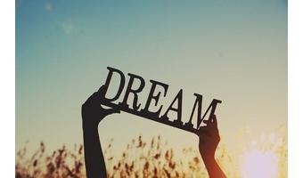 20代で夢を捨てるには早すぎる