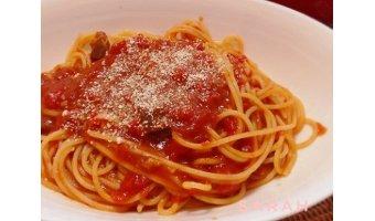 ズボラ飯レシピ④ レトルトカレーdeミートソーススパゲッティ